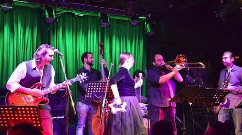 Assoi Tou Loui Salvador swing band