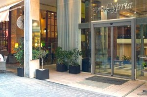 The entrance to the hotel