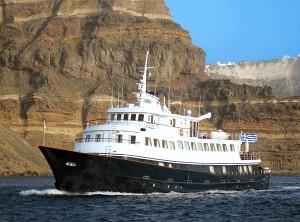 The 'Callisto' leaving Santorini