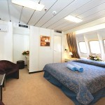 'XEO' Premium outside double cabin with bathtub, that has obstructed view (Apollo deck)