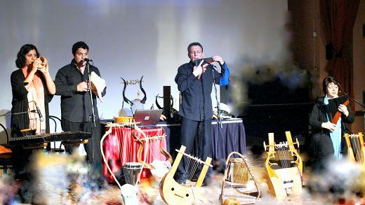 Lyravlos in concert