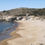 Milos: Triades beach