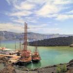 The port at Nea Kameni