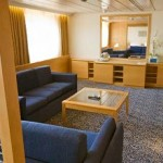 Royal Suite (SR): the sitting area with 1 double and 1 single sofa-beds