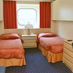 Outside Superior cabin (G): 2 lower beds and 2 upper bunks